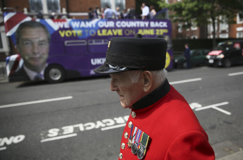 O voto dos eleitores mais velhos foi para a saída do Reino Unido da União Europeia..