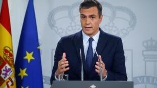 Thủ tướng Tây Ban Nha Pedro Sanchez trong cuộc họp báo sau khi gặp Vua Felipe tại Madrid, ngày 17/09/2019.