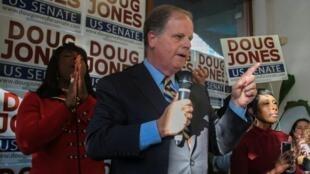 Doug Jones é o primeiro democrata eleito no Alabama em 25 anos