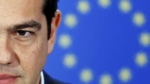 En cas d'échec du sommet, conséquences en cas d'échec : Athènes sera dans l'incapacité de rembourser le FMI avant la fin du mois, puis la Banque centrale européenne en juillet. Le pays glissera alors vers le défaut de paiement.