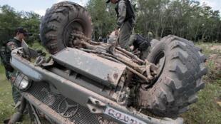 Un pick-up militaire thaïlandais pris pour cible dans la province de Pattani, le 14 septembre 2013.