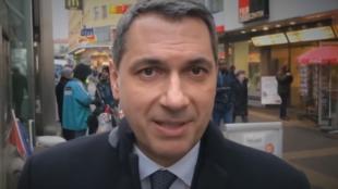 Dans un clip diffusé sur Internet, Janos Lazar, numéro deux du gouvernement de Hongrie, évoque l'immigration et la délinquance dans les rues de Vienne, chez le voisin autrichien.