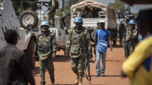 Une patrouille de la Minusca dans Bangui, Centrafrique.