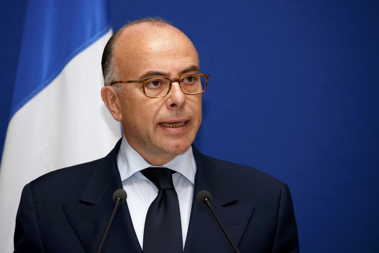 Глава МВД Франции Бернар Казнёв на пресс-конференции в Париже 01/06/2014