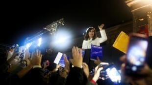 """La expresidenta argentina Cristina Kirchner durante el lanzamiento de su libro """"Sinceramente"""", en la Feria Internacional del Libro de Buenos Aires, el 9 de mayo de 2019."""