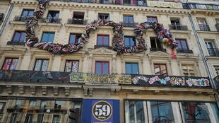 O coletivo 59 Rivoli tem sede em um prédio no centro de Paris.