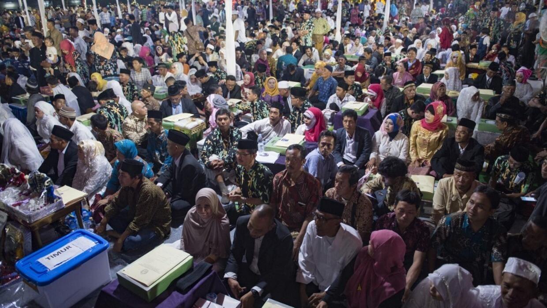 Indonésie: une fatwa pour encourager les mariages entre riches et pauvres?