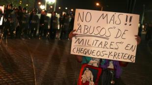 Biểu tình tại Mêhicô phản đối quân đội chà đạp nhân quyền.