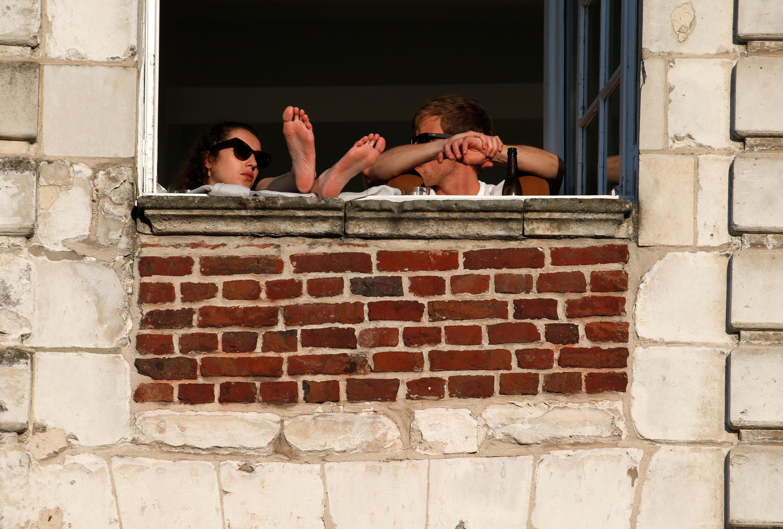 Меньше всего французы одобряют решение пока не открывать кафе и рестораны. На фото: квартира в городе Аррасе (Па-де-Кале).
