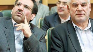 شمس الدین حسینی، وزیر اقتصاد و دارایی و محمود بهمنی، رییس کل بانک مرکزی ایران