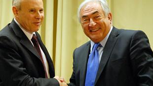 O diretor do FMI, Dominique Strauss-Kahn junto com o ministro da Fazenda, Guido Mantega, em Brasília maio de 2010