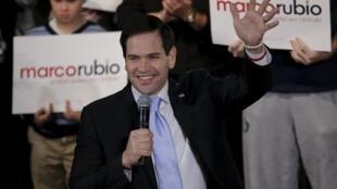 El candidato presidencial republicano, Marco Rubio, senador por el estado de Florida, a su llegada al acto de campaña en Exeter, New Hampshire, 2 de febrero de 2016.