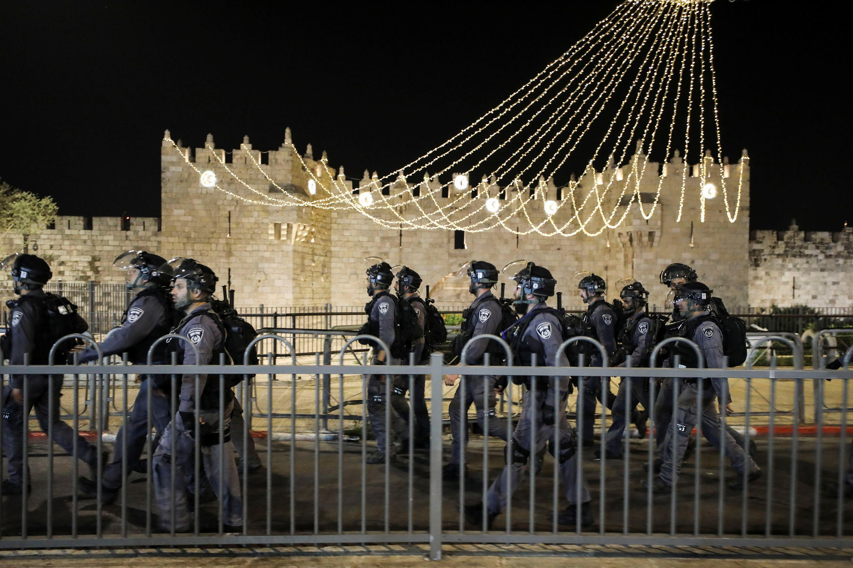 2021-04-22T134908Z_518096678_RC211N9WW8YS_RTRMADP_3_ISRAEL-PALESTINIANS-JERUSALEM-VIOLENCE