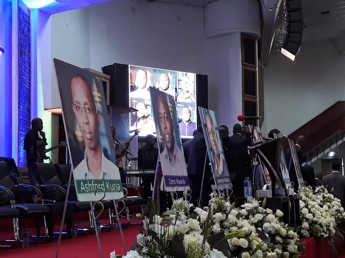 Cérémonie en hommage à six des victimes d'une attaque terroriste contre un complexe hôtelier à Nairobi, Kenya, en janvier 2019.