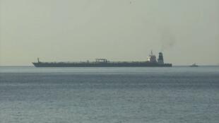 """عکسی از نفتکش """"گریس یک"""" در آبهای جبلالطّارق در روز پنجشنبه ۴ ژوئیه ۲۰۱۹ / ۱۳ تیر ۱۳۹۸"""