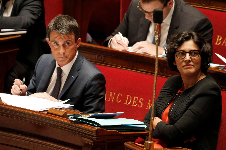 O Primeiro-Ministro, Manuel Valls e a Ministra do Trabalho, Myriam El Khomri na Assembleia Nacional. Paris. 12  de Maio 2016