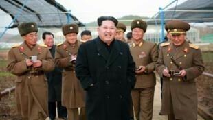 朝鮮中央通訊社KCNA2015年12月4日公布的一張金正恩視察的照片,時間地點未確定