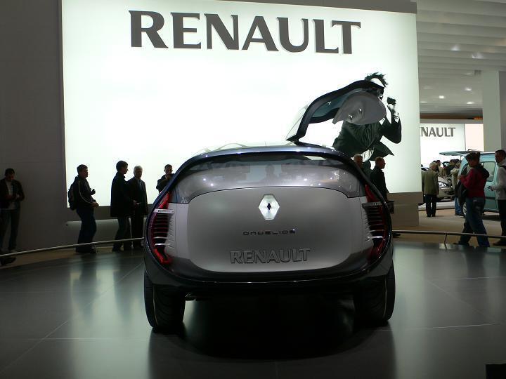 雷諾展示新型車