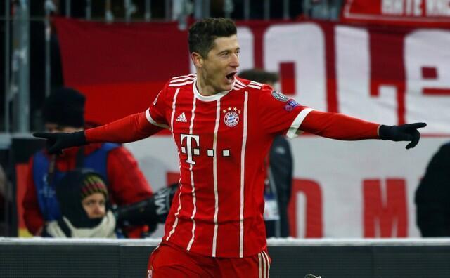 Robert Lewandowski na Bayern Munich yayin murnar jefa kwallo ta hudu a ragar kungiyar Besiktas a gasar Zakarun Nahiyar Turai. 20 ga Fabarairu, 2018.
