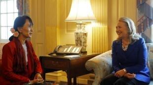 Le président Thein Sein et Aung San Suu Kyi sont actuellement en visite aux Etats-Unis.