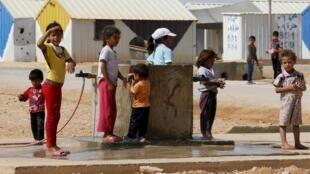 Niños en un campo de refugiados sirios en Jordania.