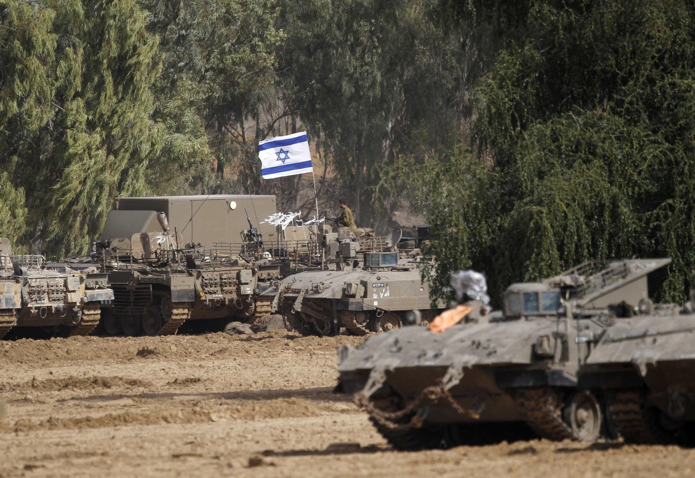 Đoàn xe bọc thép Israel tại vùng gần dải Gaza, ngày 16/11/2012.