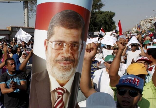 Đông đảo người Hồi giáo vẫn ủng hộ Tổng thống Morsi. Ảnh cuộc biểu tình ngày 21/06/2013 tại Cairo.