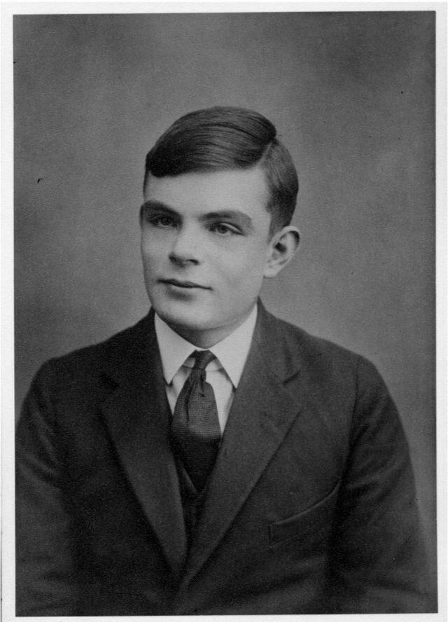 អាឡាន់ ធួរីង (Alan Turing) នៅពេលមានអាយុ ១៦ឆ្នាំ