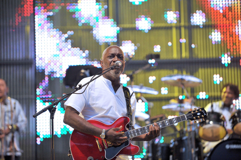 Jacob Desvarieux en concert avec Kassav' au stade de France le 16 mai 2009.