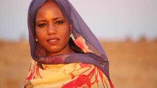 Le concert de la chanteuse sahraouie Aziza Brahim a été annulé sous la pression du Maroc.