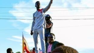 Mgombea mkuu wa upinzani Bobi Wineakifanya kampeni jijini Kampala