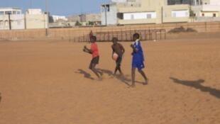 Des enfants à la Maison du rugby à Dakar.