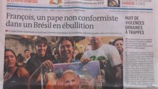 Edição do jornal Le Monde deste domingo (21) e segunda (22).