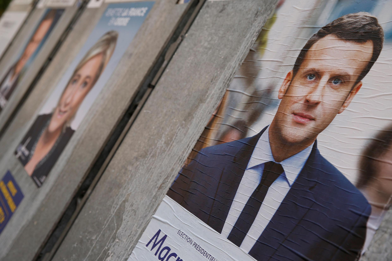 Campaign poster of Emmanuel Macron