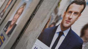 Les affiches électorales d'Emmanuel Macron et Marine Le Pen, le 10 avril 2017.
