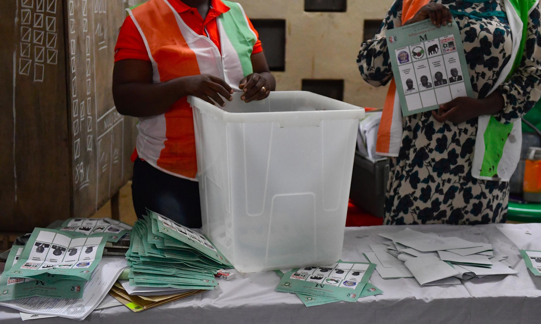 L'association «—Pour chaque jeune, une voix—» milite pour l'inscription des jeunes sur les listes électorales en Côte d'Ivoire (illustration: élections locales à Bouaké, le 13 octobre 2018).