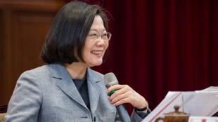 台湾中华民国总统蔡英文2019年1月5日与外国媒体茶叙中强调,她期待台湾所有政党,都应清楚说出「我们拒绝一国两制」,也不要再讲「九二共识」。