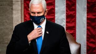 El vicepresidente de Estados Unidos, Mike Pence, en la sesión conjunta del Congreso, en Washington el 6 de enero de 2021