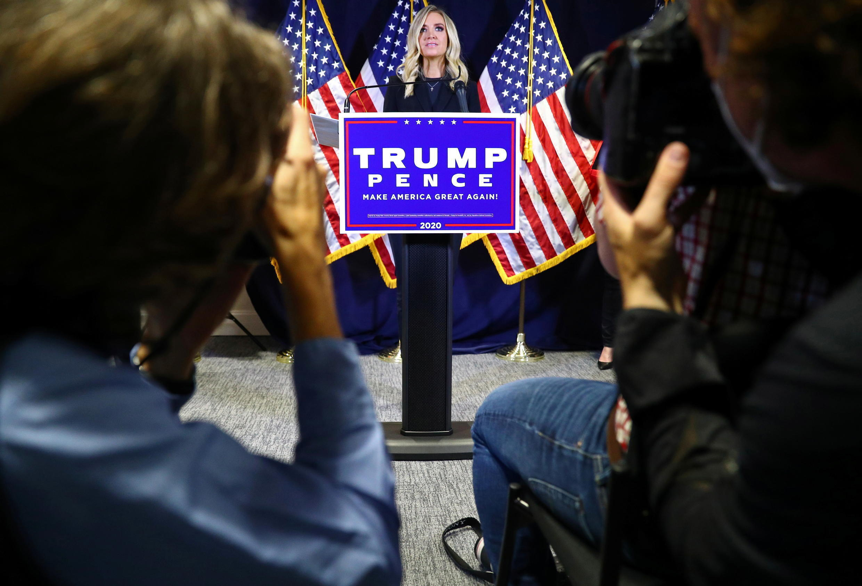 2020年11月9日,在美国华盛顿共和党全国委员会总部举行的新闻发布会上,白宫新闻秘书凯利·麦卡尼宣布,特朗普团队将对2020年美国总统大选结果进行法律挑战.