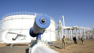 La raffinerie de pétrole Khurmala à 10 km au sud de la ville d'Arbil et à 310 km au nord de Bagdad en Irak, le 18 juillet 2009.