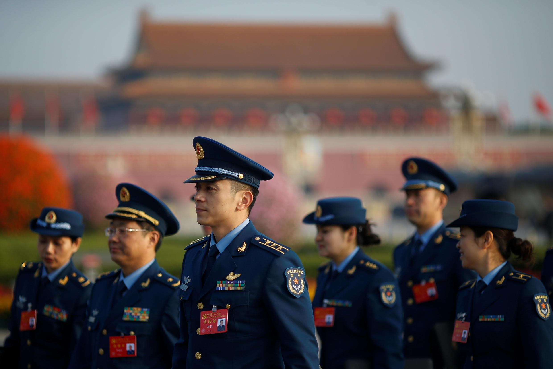 Đoàn đại biểu quân đội Trung Quốc đến dự đại hội Đảng Cộng Sản lần thứ 19.