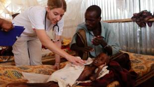 Centro da ONG Médicos Sem Fronteiras que acolhe refugiados na Etiópia, fronteira com a Somália.