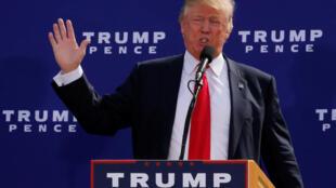 Ứng viên tổng thống đảng Cộng hòa Donald Trump vận động tranh cử tại bang New Hampshire, ngày 15/10/2016.