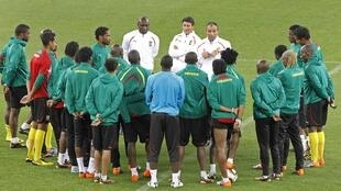 Paul Le Guen remotive ses troupes avant le dernier match face aux Pays-Bas.