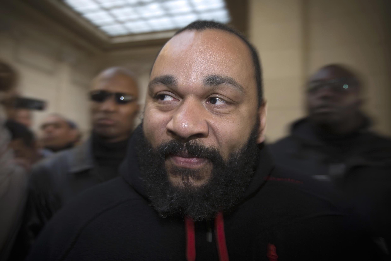 2013年12月13日,蒂耶朵内在巴黎法院出庭。