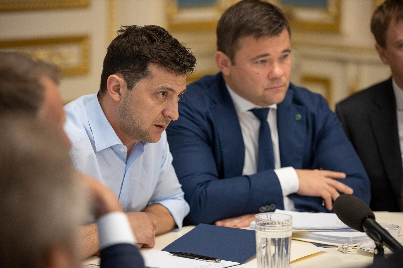 Президент Владимир Зеленский и глава его администрации Андрей Богдан (справа) в Киеве 21 мая 2019