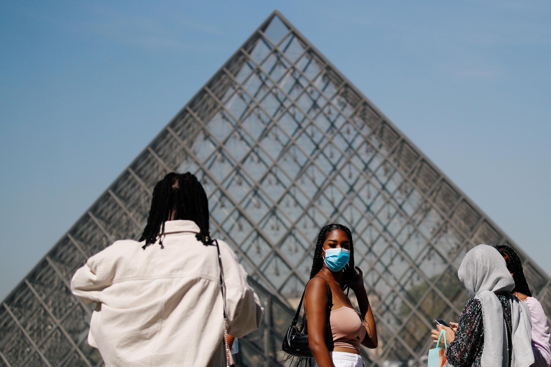 França Mascara Louvre Covid Masque