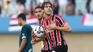Reestreia do meia Kaká pelo São Paulo depois de 11 anos no futebol europeu.