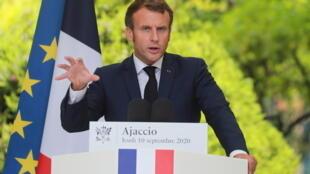 Emmanuel-Macron-Ajaccio-10-septembre-2020_0_1400_933