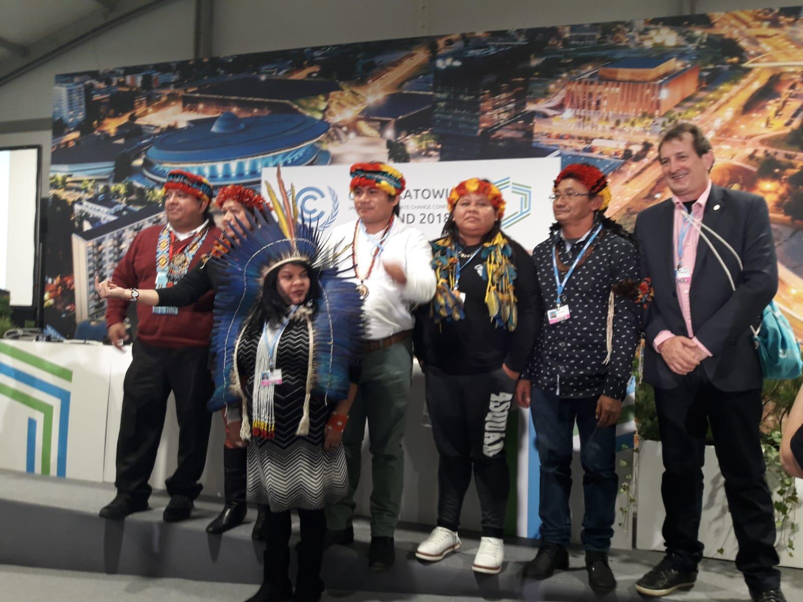 Articulação dos Povos Indígenas do Brasil (APIB) participa da COP 24, em  Katowice, na Polônia